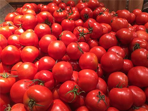 """11月26日:""""农产品批发价格200指数""""比昨天上涨0.18个点"""