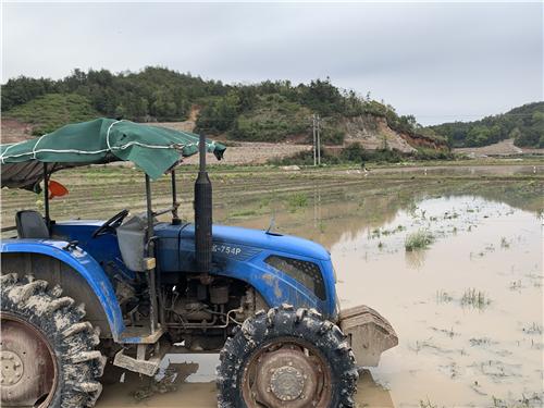 云南南澗縣開展變型拖拉機專項整治聯合執法行動